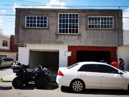 renta de 2 locales en santa rosa jauregi  en esquina (sa)