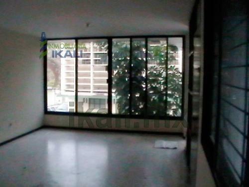 renta de 3 pisos de oficinas oficinas en el centro de tuxpan veracruz, excelente ubicación. ubicadas en la calle allende de la colonia centro en la ciudad de tuxpan veracruz, en planta baja cuenta co