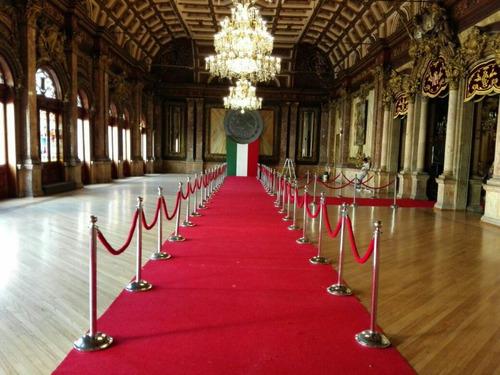 renta de alfombra roja unifilas templetes oscares periqueras