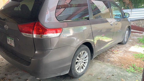 renta de auto con chofer responsable tour paseo yucatan