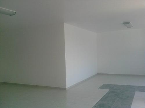 renta de bodega 780 m2 con oficinas en conjunto  privado