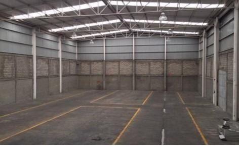 renta de bodega de 700 m2 con oficinas en san martin obispo