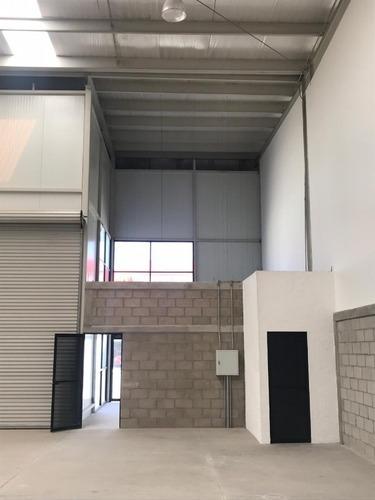 renta de bodega industrial en el marqués dentro de corredor aeroespacial