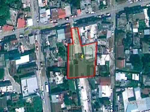 renta de bodegas en tuxpan ver, 1323 m² de construcción 33 m x 33 m + 23 m. x 9 m. en zona centro. ubicada en la calle zaragoza #10 de la colonia centro en tuxpan veracruz, a dos cuadras del rio y a