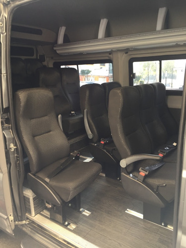 renta de camioneta de turismo baratas con chofer 14 pasajero