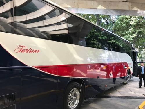 renta de camionetas 6 a 20 pasajeros, con chofer, viajes,