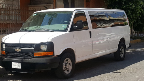renta de camionetas 7, 8, 12 y 15 pasajeros df baratas