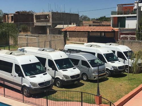 renta de camionetas de 20 y 13 pasajeros con chofer