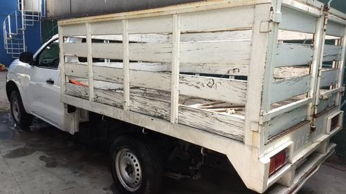 renta de camionetas de carga kangoo y nissan estacas np300