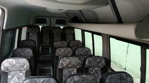 renta de camionetas en df con chófer.13 hasta 20 pasajeros.