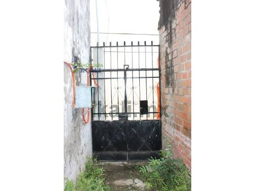 renta de casa antigua centro tuxpan veracruz 5 rec. en calle hernandez y hernandez,  # 4, da hasta la calle zozimo pérez, en la colonia zona centro, tiene un amplio patio de aproximadamente 800 m², a