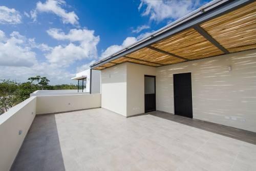 renta de casa en residencial aqua cancún 3r, 2.5b y alberca