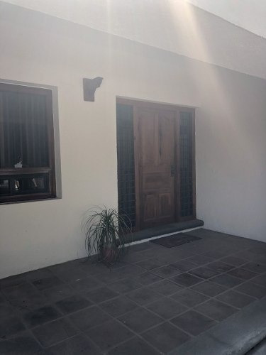 renta de casa en villas del mesón