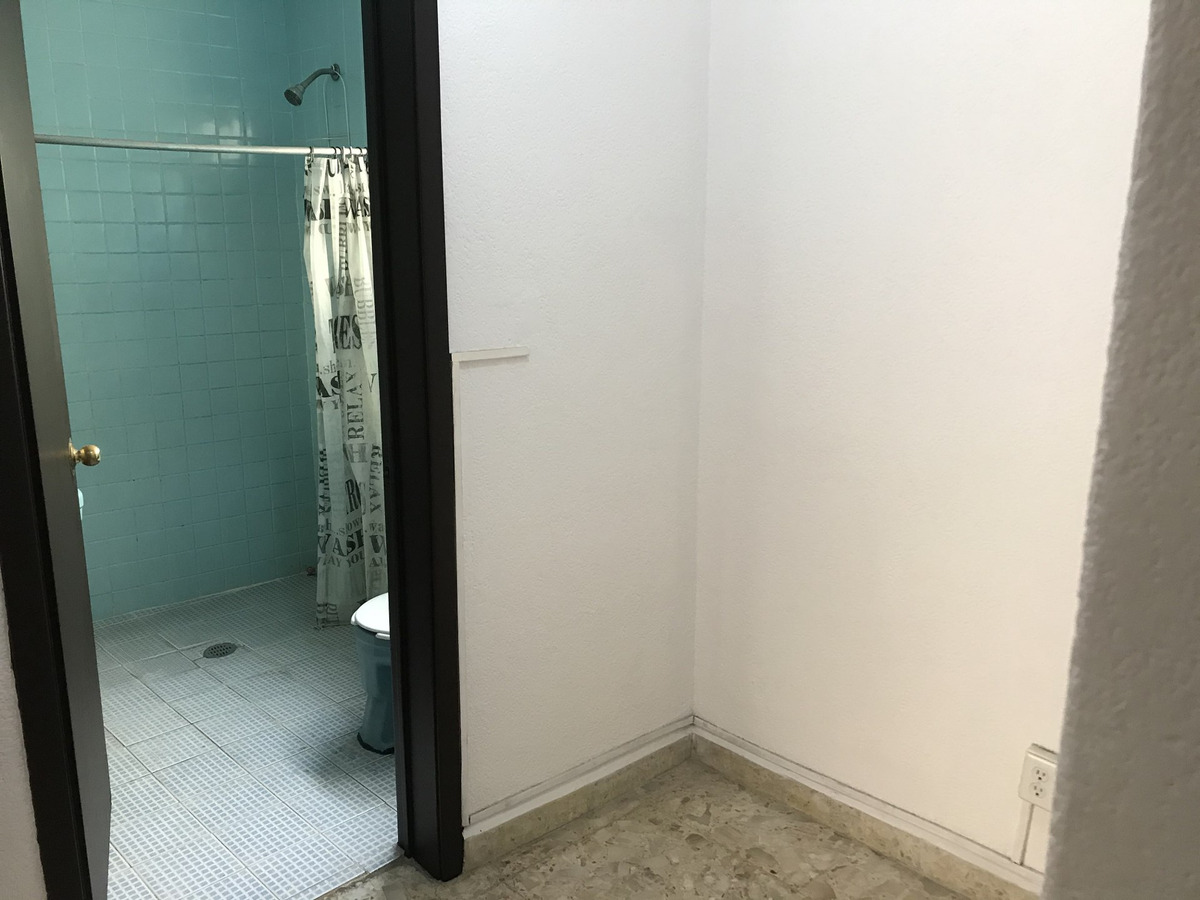 renta de departamento de 3 recamaras y 1 baño