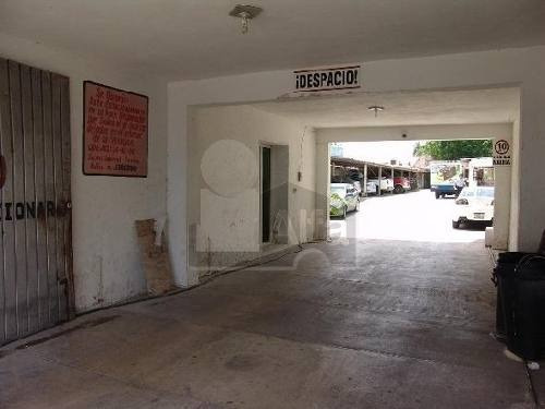 renta de edificio comercial en mérida yucatán, centro. con amplio estacionamiento.