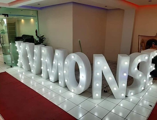 renta de letras gigantes iluminadas