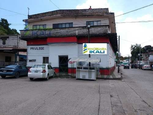 renta de local comercial en esquina tuxpan veracruz. ubicado, en la colonia escudero en el municipio de tuxpan veracruz, con una superficie del terreno 297.07 m², el local comercial incluye inmobilia
