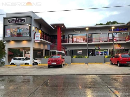 renta de local comercial en plaza punto oaxaca col. unidad nacional, cd madero