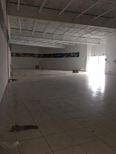 renta de local comercial plaza comercial smz 35 cancun