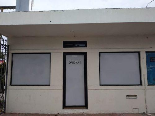 renta de local comercial =plaza k universidad=