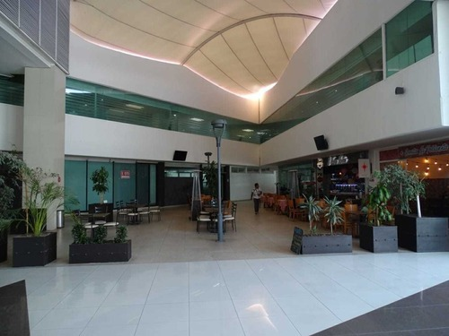 renta de local en la torre atrium ubicada en ciudad judicial.