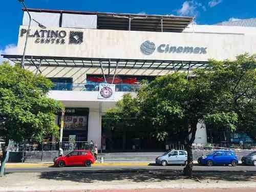 renta de locales en plaza platino san manuel
