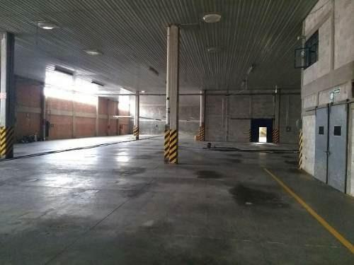 renta de nave con oficinas 1,520 m2, autopista, transformador