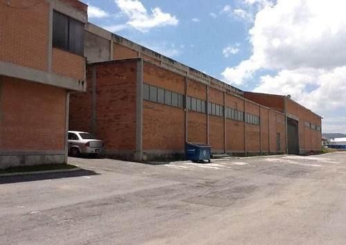 renta de nave con oficinas 1,920 m2, autopista, transformador