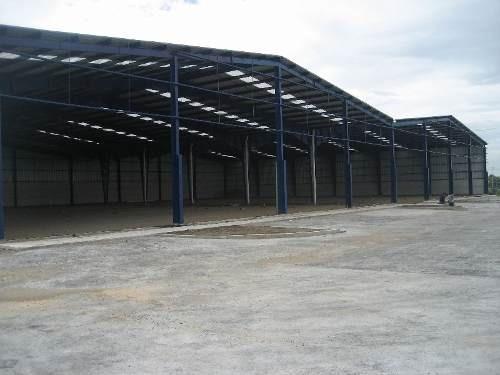 renta de nave industrial,  frente a vw, 1500 m2, patio de maniobras