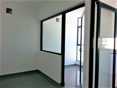 renta de oficina en montecristo 64
