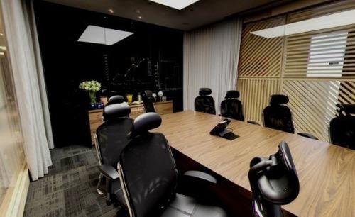 renta de oficina equipada en torre diana. 12 a 15 personas.