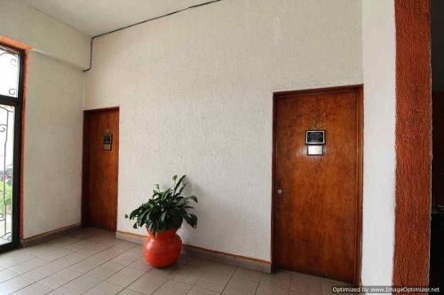 renta de oficinas comerciales en lomas de la selva $ 5500 clave or452