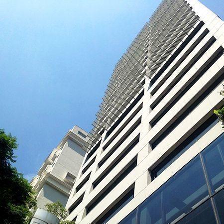 renta de oficinas comerciales en torre summa