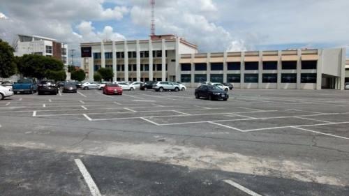 renta de oficinas y recintos para eventos de gran capacidad.