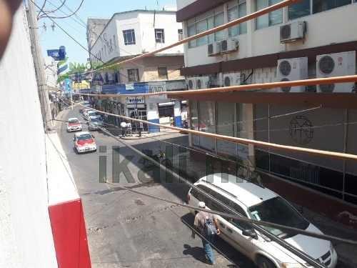 renta de piso planta alta de edificio para oficinas zona centro tuxpan veracruz,  se encuentra en una de las zonas mas transitadas de la ciudad, cuenta con escaleras de acceso con una pequeña caseta