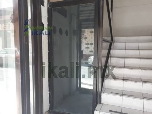 renta de piso planta alta de edificio para oficinas zona centro tuxpan veracruz, se encuentra en una de las zonas mas transitadas de la ciudad, cuenta con escaleras de acceso con una pequeña caseta d