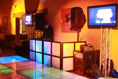 renta de pista iluminada y servicios de dj iluminación y mas