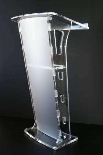 renta de podiums de acrilico y madera