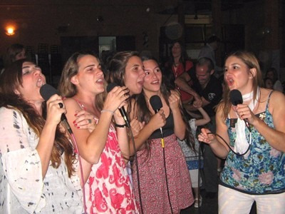 renta de rockola y karaoke futbolitos inflables