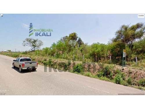 renta de terreno industrial 5500 m² en altamira tamaulipas, se encuentra ubicado en la colonia nuevo distrito de crecimiento en la calle sectores 70 y 8, son 5500 m², de frente tiene 48 m. a la autop