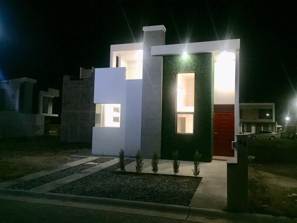 renta hermosa casa de 3 recamaras en las plazas