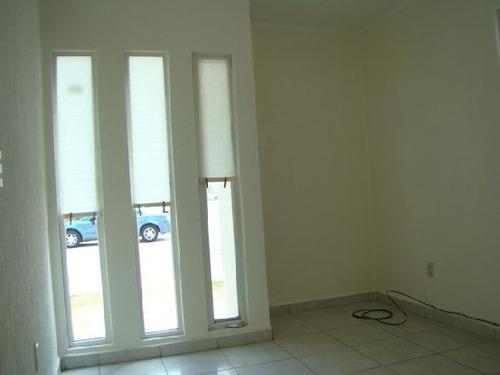 renta hermosa y amplia casa a min de la zona industrial!!!
