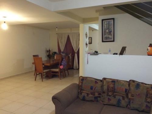 renta hermosa y amplia casa amueblada en gran morada!!!!