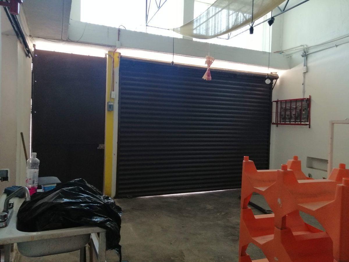 renta local a una cuadra de la central de autobuses