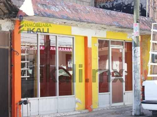 renta local comercial 110 m² colonia centro de tuxpan veracruz, se encuentra ubicado en la avenida juárez que es una de las principales calles con mayor flujo vehicular del centro de la ciudad, se pu