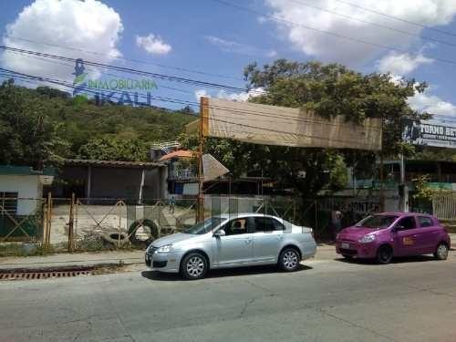 renta local comercial 880 m² plan de ayala tihuatlán veracruz. con excelente ubicación en la carretera federal méxico - tuxpan en la ciudad de plan de ayala municipio de tihuatlán, a un costado de po