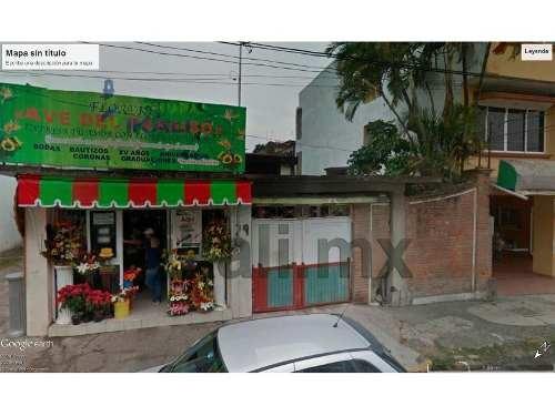 renta local comercial tuxpan veracruz 440 m² en calle zona centro de tuxpan, ver. en una excelente ubicación,en una zona muy transitada, adaptándose a sus necesidades, cuenta con 1 baño completo, al