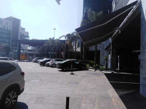 renta local plaza marsala zona atlixcayotl!!