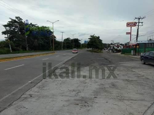 renta locales 325 m² colonia jesús reyes heroles tuxpan veracruz. ubicado en avenida las américas  # 114  son dos locales comerciales con una superficie de 325 m², para oficinas, escuelas, universida