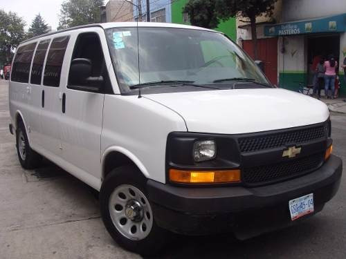 renta min van 7 a 15 pasajeros camioneta df sin chofer $1300